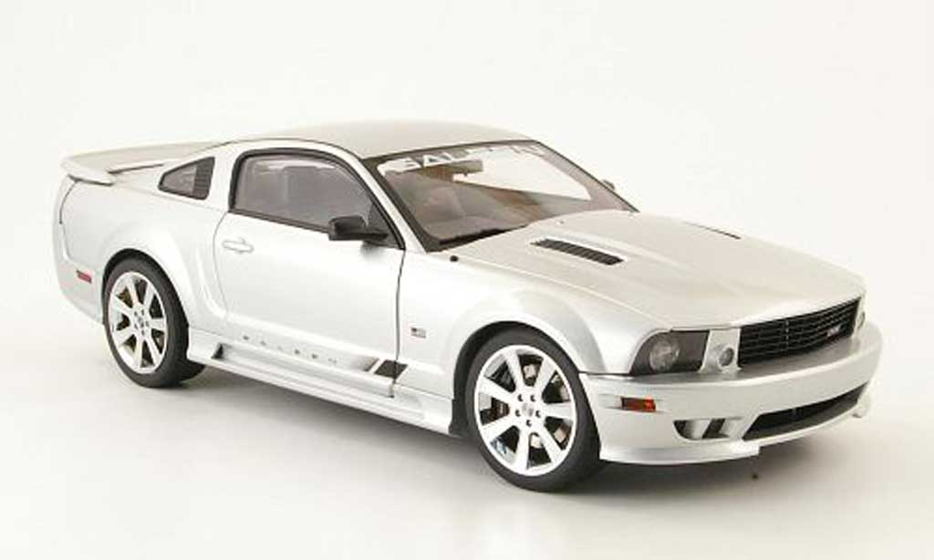 Ford Mustang Saleen 1/18 Autoart s281 grise clair metallized miniature