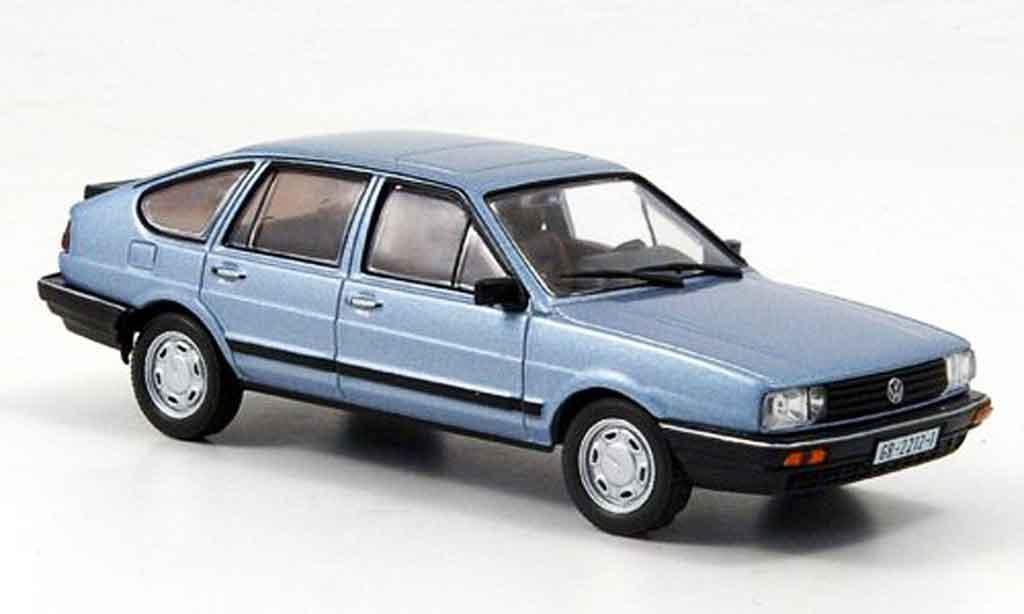 Volkswagen Passat 1/43 WhiteBox grise metallisee bleu 1985 miniature