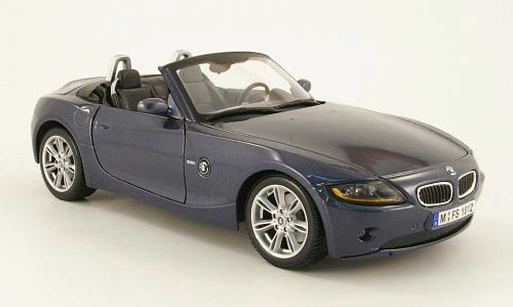 bmw z4 e85 miniature grise bleu 2003 maisto 1 18 voiture. Black Bedroom Furniture Sets. Home Design Ideas