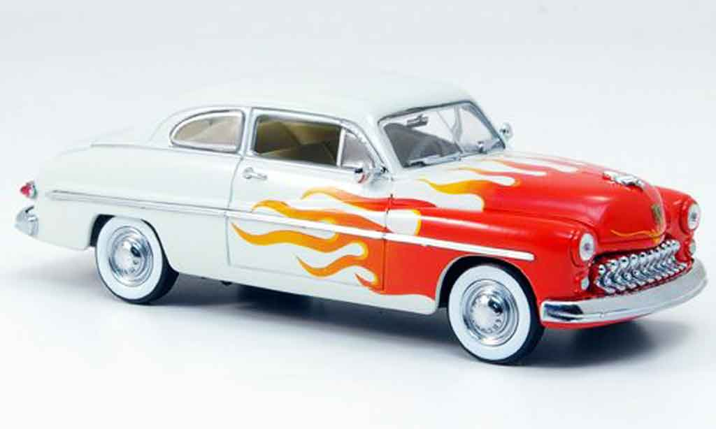 Mercury Club Coupe 1/43 Eagle Hot Rod beige avec rouge 1949 miniature