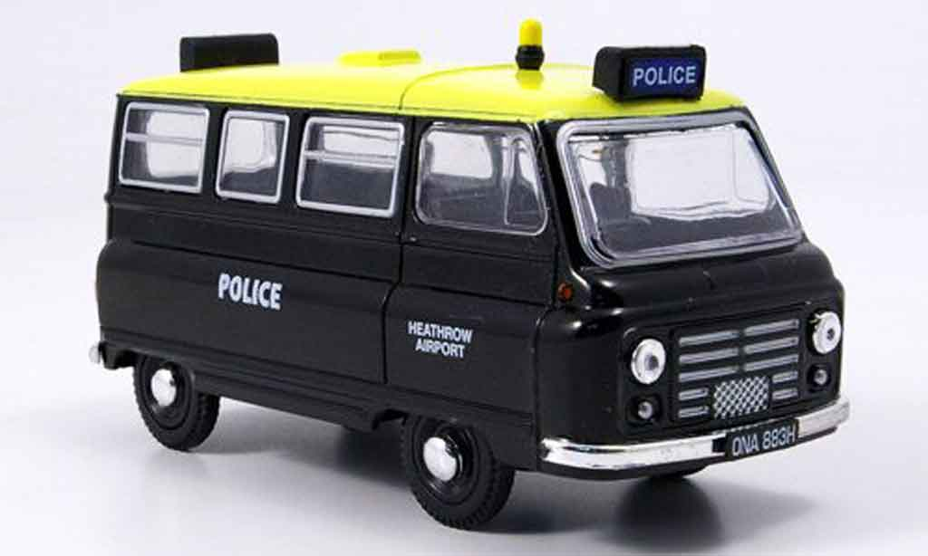Austin J2 1/43 Oxford Bus police Heathrow Airport Police miniature