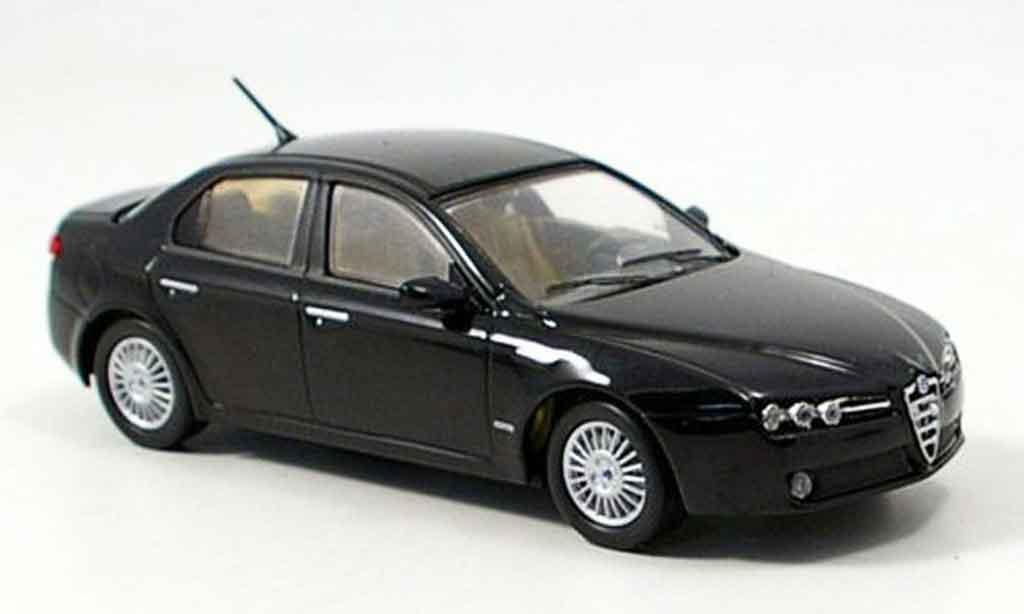 Alfa Romeo 159 1/43 M4 noire b quality 2005 miniature