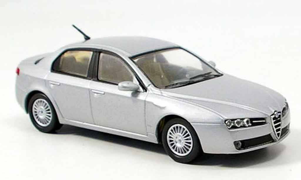 Alfa Romeo 159 1/43 M4 grise metallisee b quality 2005 miniature