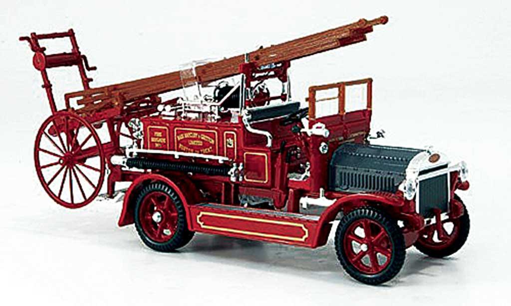 Dennis N Type 1/43 Yat Ming rouge Feuerwehr miniature