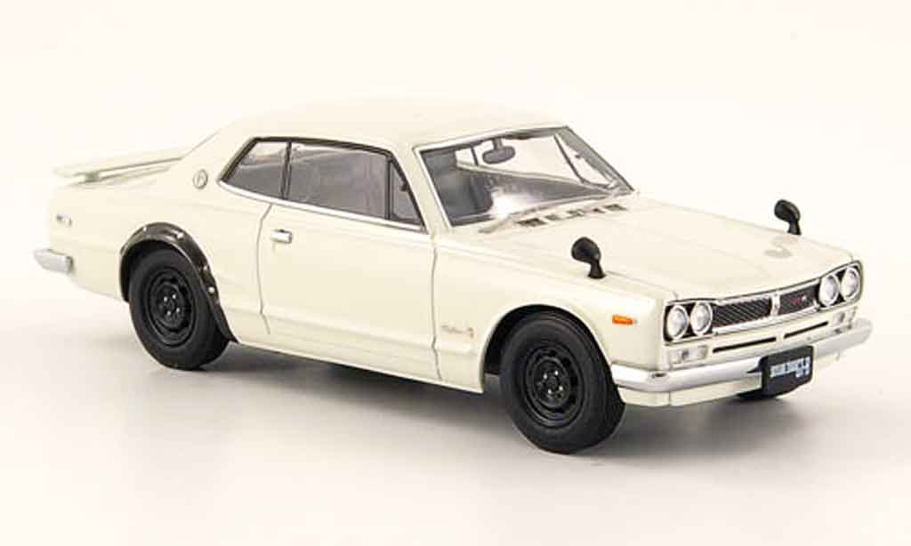 nissan skyline 2000 miniature gt r ht kpgc10 blanche 2. Black Bedroom Furniture Sets. Home Design Ideas