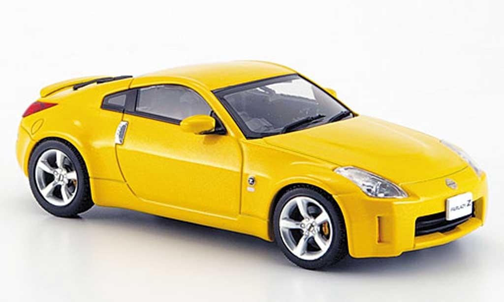 Nissan 350Z 1/43 Ebbro Fairlady jaune Facelift 2007 miniature
