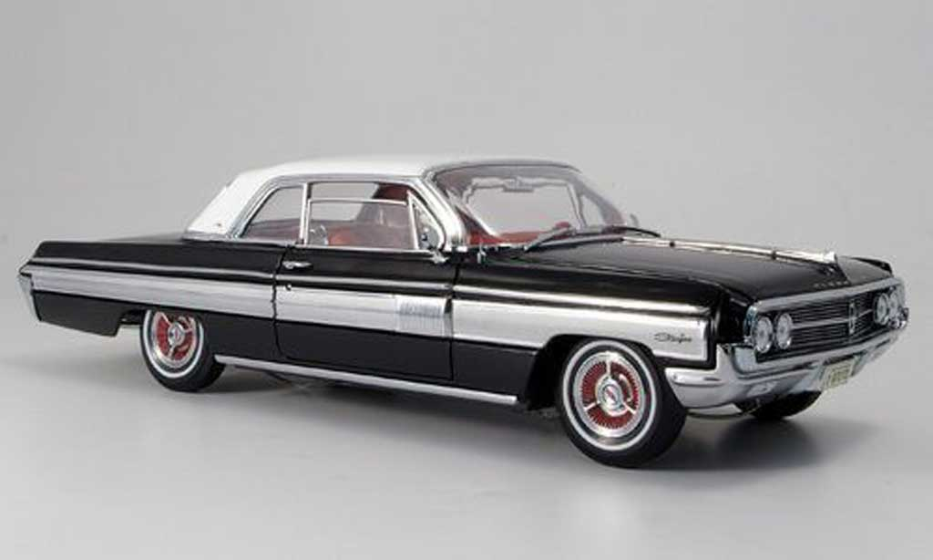 Oldsmobile Starfire 1/18 Yat Ming noire blanchees dach 1962 miniature