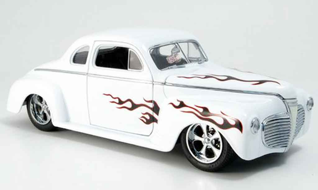 Plymouth Coupe 1941 1/18 Yat Ming 1941 blanco hot rod coche miniatura