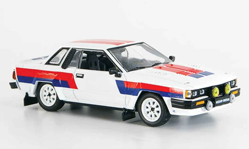 Nissan 240 RS 1/43 IXO blanche rouge noire Ready to Race 1985 miniature