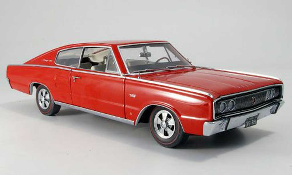 Dodge Charger 1966 1/18 Ertl 426 hemi rouge miniature
