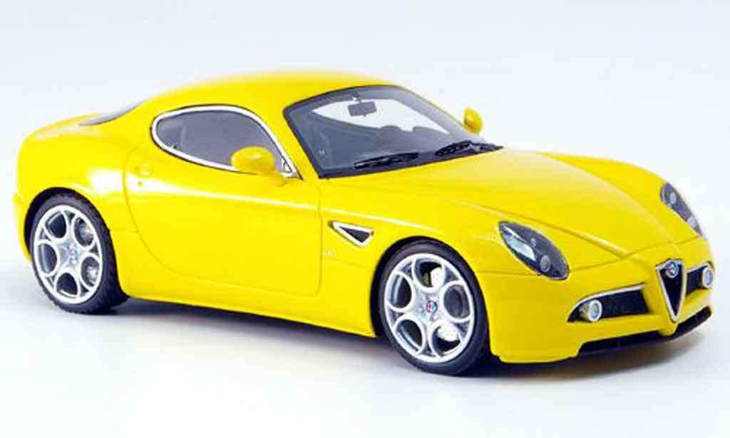 Alfa Romeo 8C Competizione 1/43 Look Smart jaune ausstellung frankfurt 2007 miniature