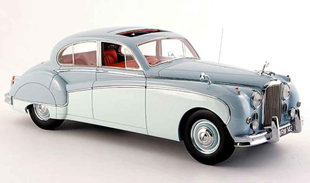 Jaguar MK 9 1/18 Neo bleu creme blanche 160 miniature