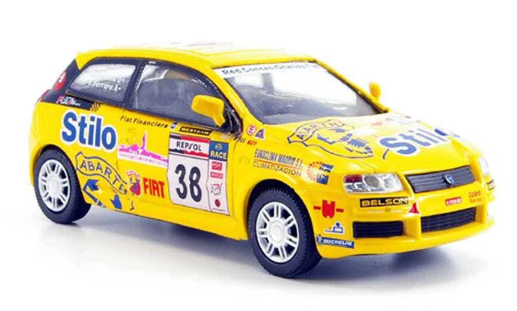 Fiat Stilo 1/43 Cararama No.38 jaune Rallye miniature