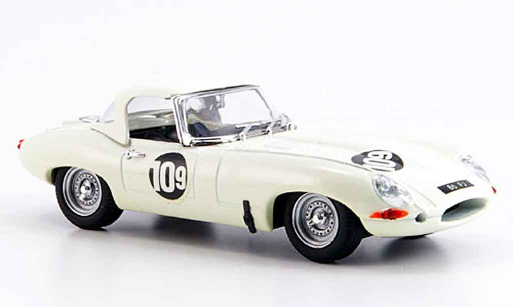 Jaguar E-Type 1965 1/43 Best 1965 spider brands hatch t. atkins miniature
