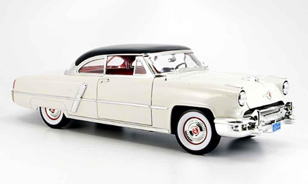 Lincoln Capri 1/18 Yat Ming blanche noirees dach 1952 miniature