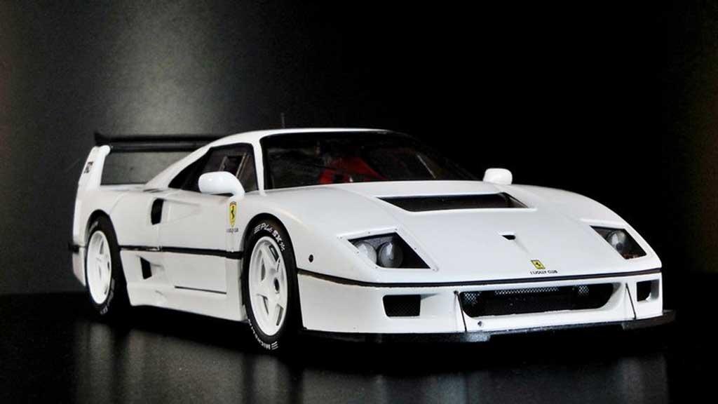 Ferrari F40 Competizione Miniature Blanche Hot Wheels