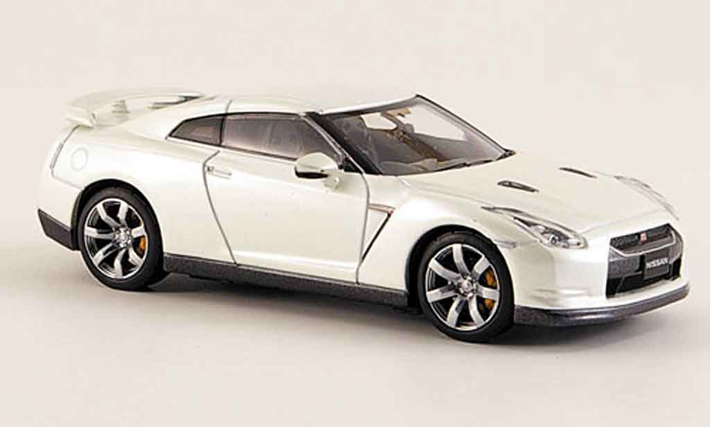 nissan skyline r35 miniature gtr blanche 2008 kyosho 1 43. Black Bedroom Furniture Sets. Home Design Ideas