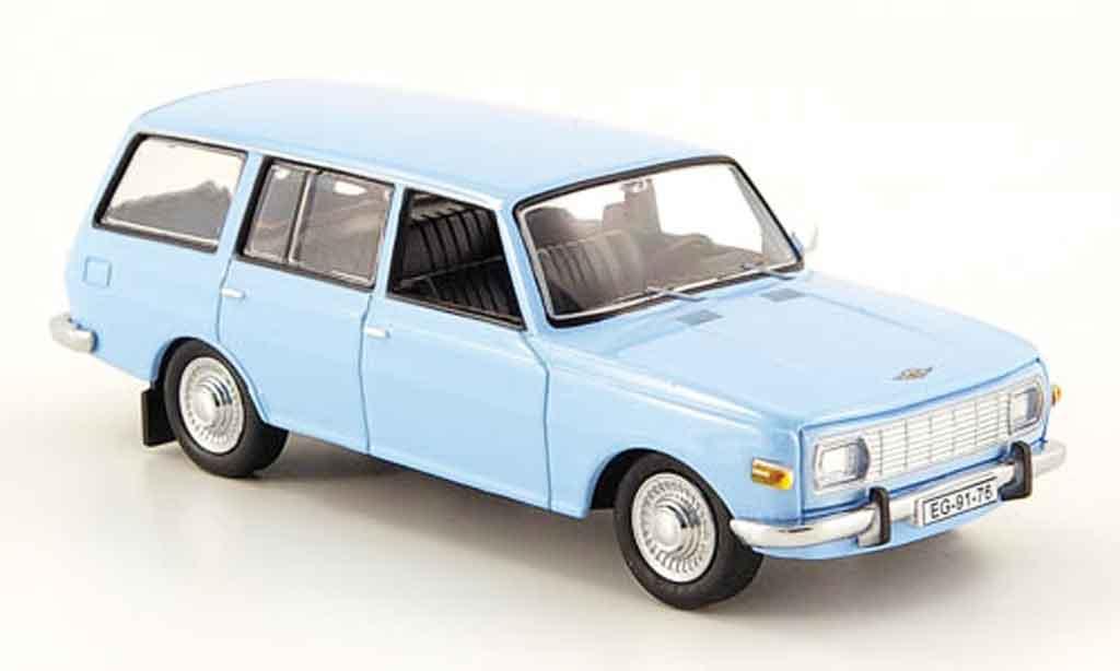 Wartburg 353 1/43 IST Models Kombi bleu 1972 miniature