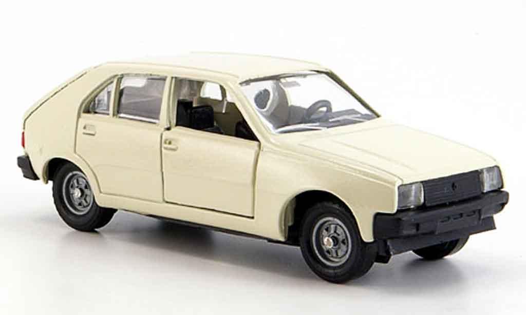 Renault 14 1/43 Solido blanche 1976 miniature