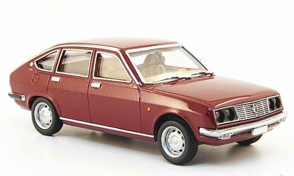 Lancia Beta berline 1/43 Pego rouge