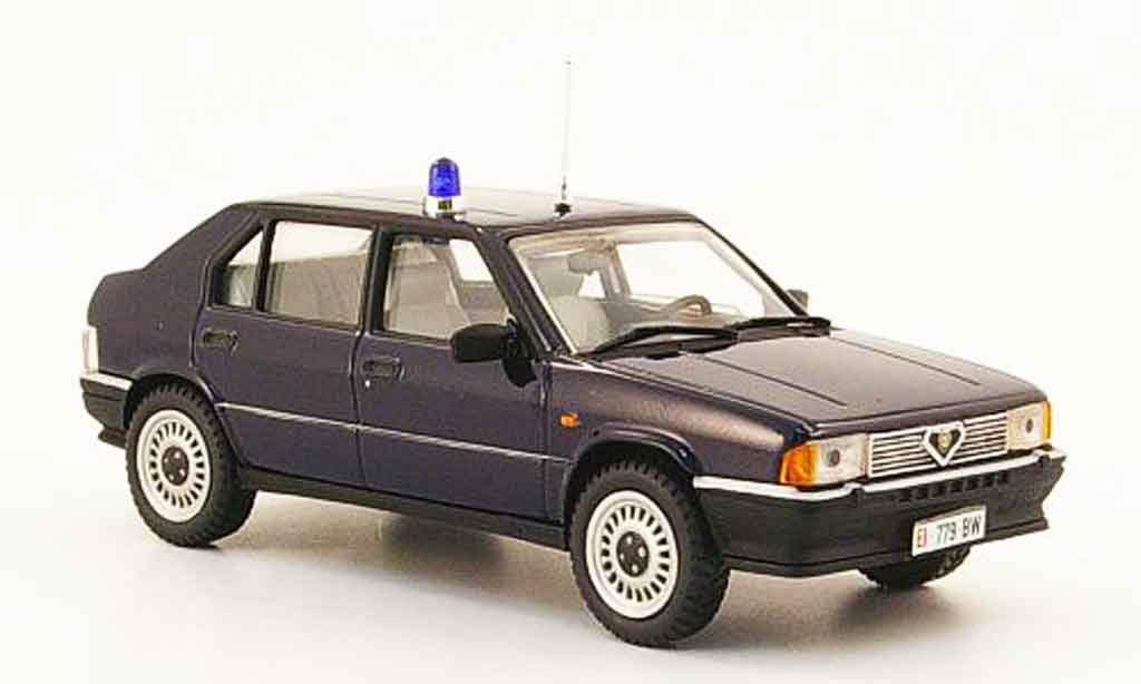 Alfa Romeo 33 carabinieri Pego. Alfa Romeo 33 carabinieri Police miniature 1/43