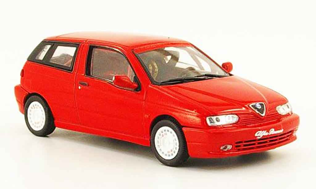 Alfa Romeo 145 1/43 Pego presentation rouge 1997 miniature