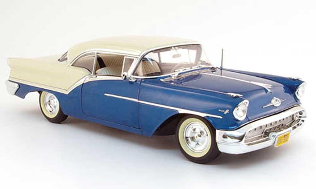 Oldsmobile Super 88 1/18 Highway 61 bleu blanche 1957 miniature