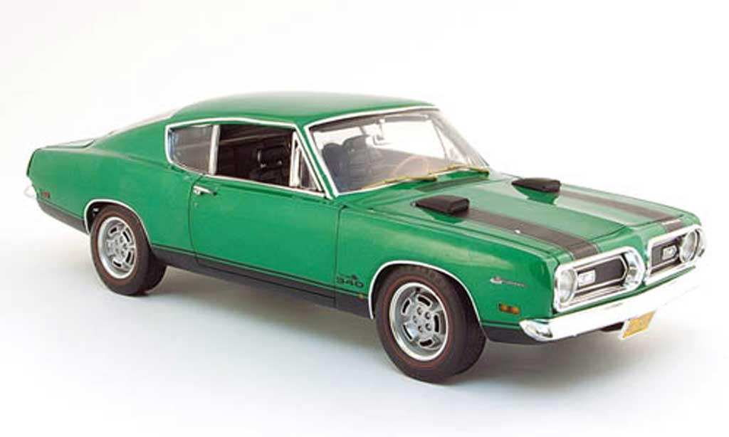 Plymouth Barracuda 1969 1/18 Highway 61 340 verte miniature