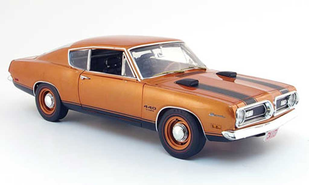 Plymouth Barracuda 1969 1/18 Highway 61 440 bronze miniature
