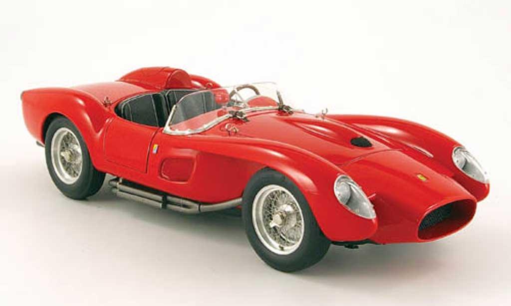 Ferrari 250 TR 1958 1/18 CMC rouge miniature