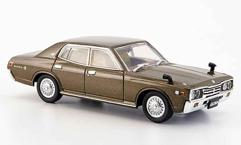 Nissan Gloria 1/43 Aoshima 2000 GL E marron 1977 miniature