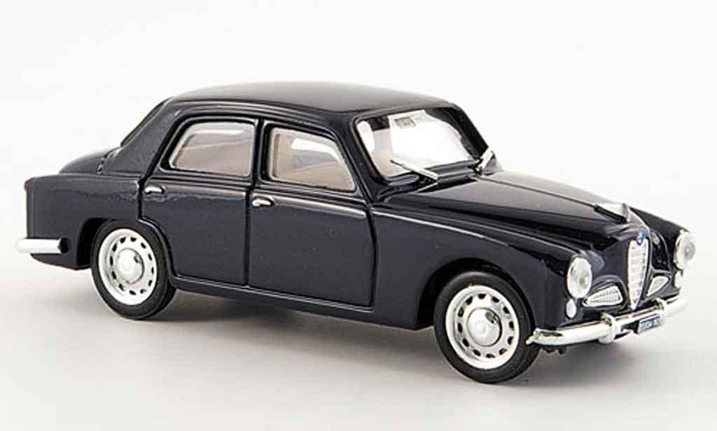Alfa Romeo 1900 1/43 Brumm berline  bleu 1950 miniature