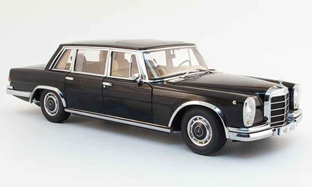 Mercedes 600 SWB 1/18 Autoart (w100) noire avec gardinen koffern 1965 miniature