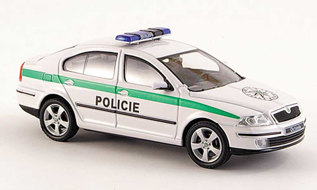 skoda octavia miniature policie polizei tschechien 2004 abrex 1 43 voiture. Black Bedroom Furniture Sets. Home Design Ideas