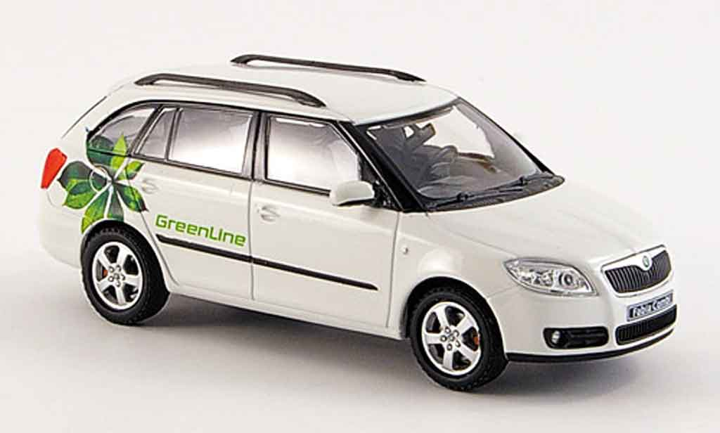 skoda fabia miniature combi ii blanche green line abrex 1 43 voiture. Black Bedroom Furniture Sets. Home Design Ideas