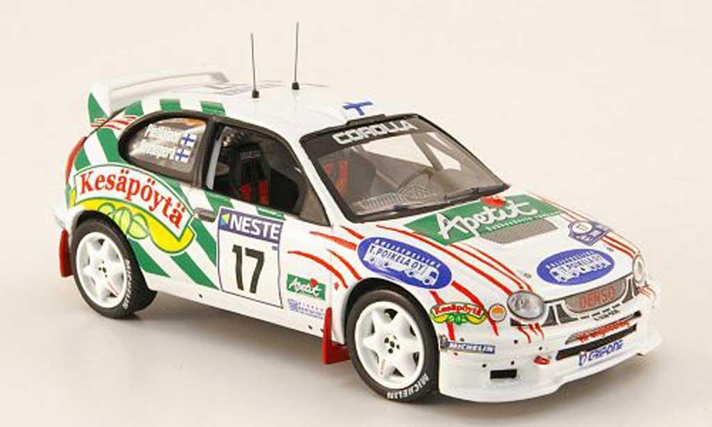 Toyota Corolla WRC 1/43 IXO No.17 Kesapoyta Rally Finland 2000 miniature