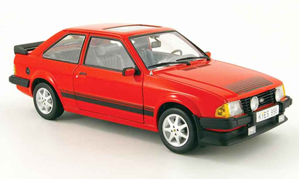 Ford Escort MK3 1/18 Sun Star rs 1600i rouge 1983
