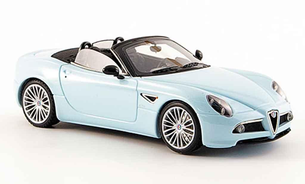 Alfa Romeo 8C Competizione 1/43 Look Smart spyder bleu 2006 diecast