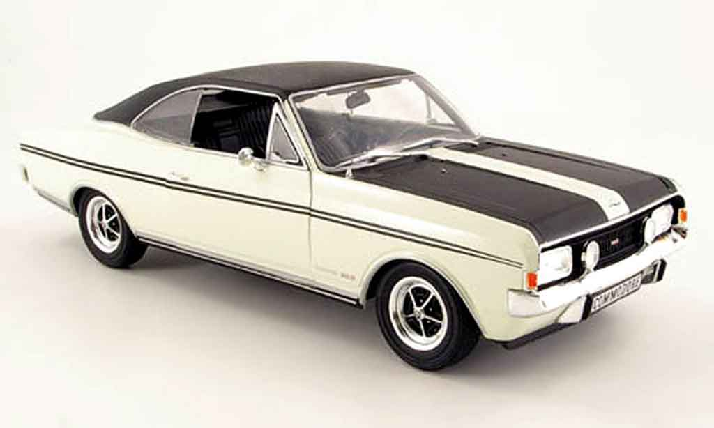 opel commodore a miniature coupe gs e blanche noire 1970. Black Bedroom Furniture Sets. Home Design Ideas