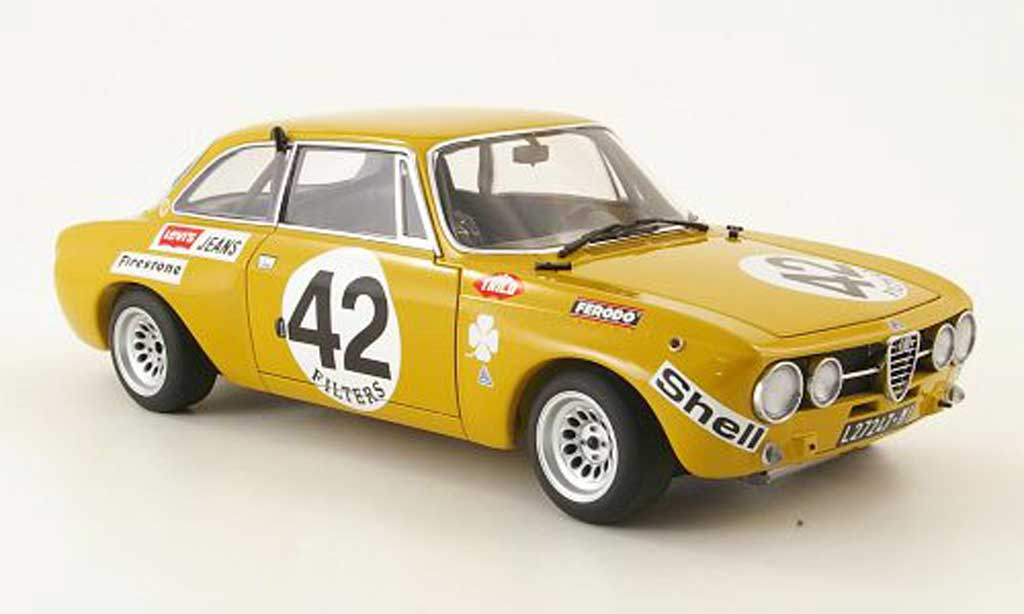 Alfa Romeo Giulia GT Am no.42 spa 1971 Autoart. Alfa Romeo Giulia GT Am no.42 spa 1971 Spa Francorchamps miniature 1/18