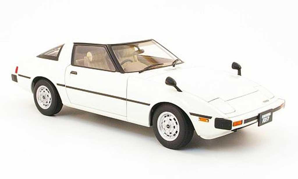 Mazda RX7 1/18 Autoart savanna (sa) blanche 1978 miniature