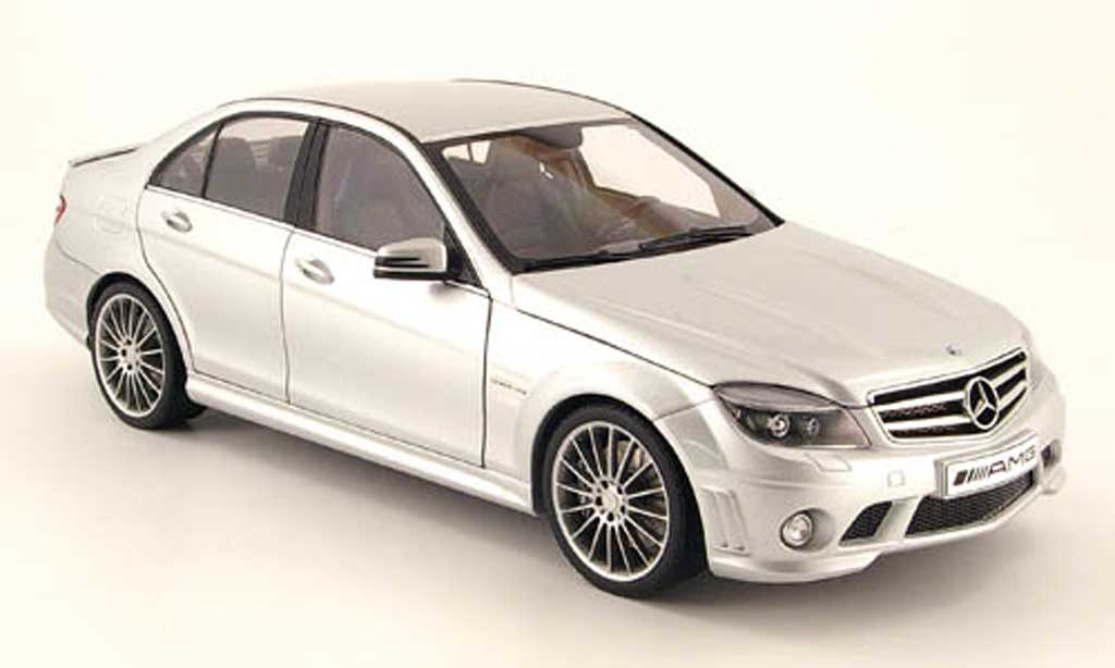 mercedes classe c miniature 63 amg grise avec ledersitze 2007 autoart 1 18 voiture. Black Bedroom Furniture Sets. Home Design Ideas