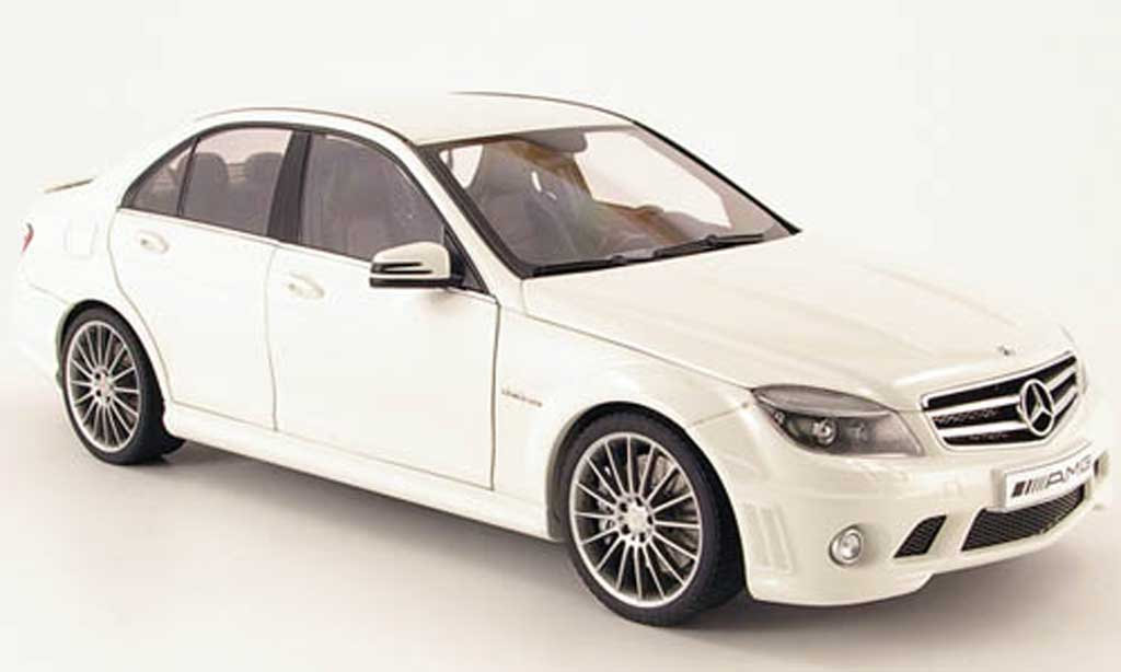 mercedes classe c miniature 63 amg blanche 2007 autoart 1 18 voiture. Black Bedroom Furniture Sets. Home Design Ideas