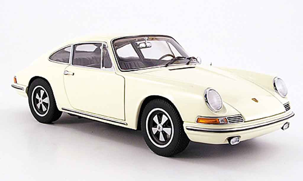 porsche 911 s miniature beige 1967 autoart 1 18 voiture. Black Bedroom Furniture Sets. Home Design Ideas