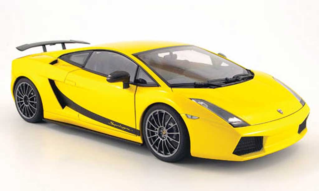Lamborghini Gallardo Superleggera yellow 2007 Autoart. Lamborghini Gallardo Superleggera yellow 2007 miniature 1/18