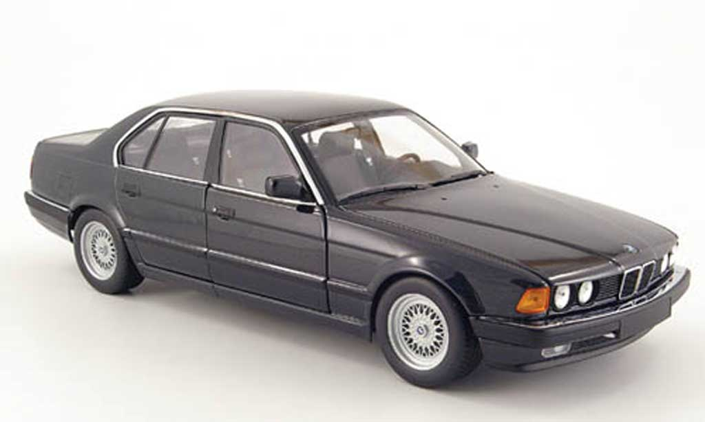 Bmw 730 E32 e32 black 1986 Minichamps. Bmw 730 E32 e32 black 1986 miniature 1/18