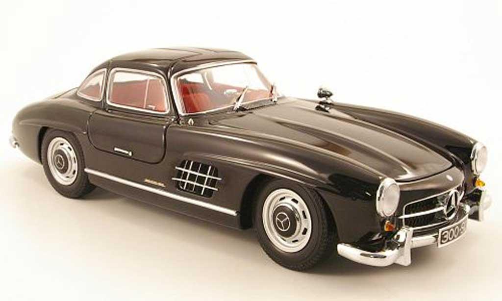 Mercedes 300 SL 1/18 Minichamps (w198 i) noire 1954 miniature