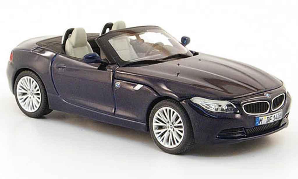 bmw z4 e89 e 89 blau 2009 minichamps modellauto 1 43 kaufen verkauf modellauto online. Black Bedroom Furniture Sets. Home Design Ideas