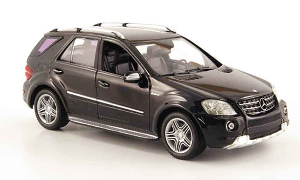 Mercedes Classe M 1/43 Minichamps ML 63 AMG (W 164) black 2008 diecast model cars