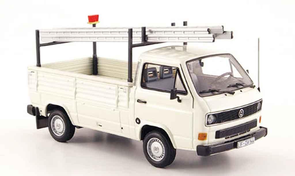 Volkswagen Combi 1/43 Minichamps t3 pritsche blanche avec leitern 1983 miniature